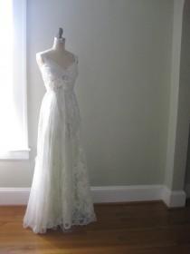 wedding photo - Simply happy Hippie Wedding Dress, Boho wedding dress, Beach wedding dress, green wedding dress, fairy wedding dress, Lace Dress