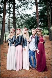 wedding photo - 19 Bridal Parties Who Rocked Some Unconventional Wedding Attire
