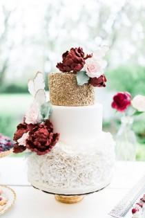 wedding photo - Romantic Floral Wedding Cake