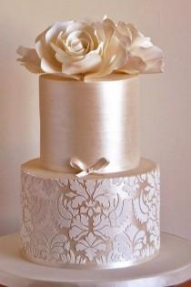 wedding photo - Fondant Flower Wedding Cake