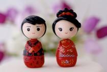 wedding photo - Chinese bride and groom wedding cake topper kokeshi figurines