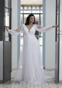 wedding photo - Long Sleeve Wedding Dress For Plus Size Bride - Darius Cordell