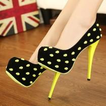 wedding photo - Fashion Round Closed Toe Pokla Dots Stiletto High Heels Yellow Suede Pumps