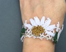 wedding photo - White tatting bracelet, crochet daisy flower, Bridal jewelry, Frivolite, Weddings,  Bridesmaids' Gifts, Unique bracelet, Chic accessory