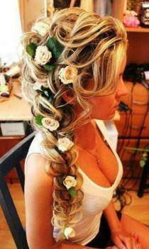 wedding photo - Romantic Braided Wedding Hairstyles With Beautiful Flowers