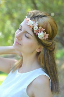 wedding photo - Wedding flower headband Boho Bridal floral crown Ivory beige wedding halo Rustic hair wreath Ivory bridal headpiece Bells flower accessory