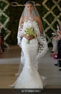 wedding photo - Women's Oscar De La Renta 'Snowflake' Applique Veil
