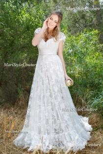 wedding photo - Lace Wedding dress in Vintage Style ,Open V-back wedding gown, Boho wedding, Garden Wedding, Vintage wedding dress
