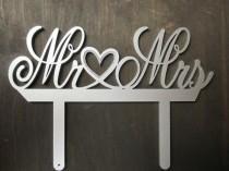 wedding photo - Mr and Mrs Wedding Cake Topper Elegant Metallic Silver Mr & Mrs Wedding Sign Cake Decor Top Hearts Wedding Sign Cake Toppers Decoration I Do