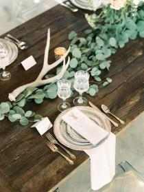 wedding photo - Minimalist Tablescapes For A Chic Urban Wedding