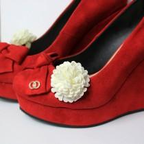 wedding photo - ivory flower shoe clip for purse ivory wedding shoe clip flower accessory decoration bridesmaid gifts for women bag clip women accessory G1