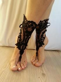 wedding photo - Free ship black and ivory french lace gothic barefoot sandals wedding prom party steampunk burlesque vampire bangle beach anklets bridal