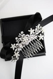 wedding photo - Wedding Hair Comb Swarovski Rhinestone Pearl Bridal Hair Comb Vintage Wedding Comb Ivory Pearl Flower Headpiece SABINE 2 HAIR PIECE