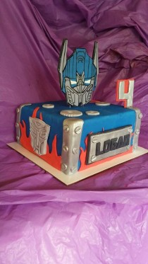 wedding photo - Fondant Transformers Cake Kit