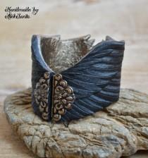 wedding photo - Raven wing bracelet Black feather cuff Gothic jewelry Polymer clay jewelry for women Statement bracelet Unique bracelet Gift for her .hba