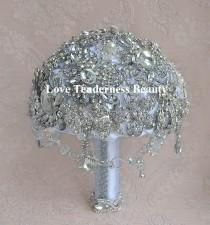wedding photo - Rhinestone Wedding Brooch Bouquet / White and Silver Wedding Bouquet / Bridal Bouquet / Crystal bouquet / Jewelry Bouquet / Gatsby Bouquet