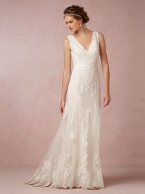 wedding photo - Beautiful A-Line/Princess V-neck Sweep/Brush Train Lace Wedding Dress