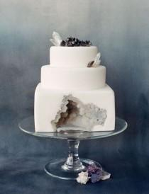wedding photo - 25 Incredibly Beautiful Wedding Cakes That Won 2015
