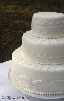 wedding photo - Elegant Lace Wedding Cake