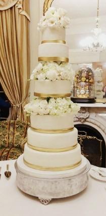 wedding photo - My Weekend... Gold & Flowers Wedding Cake