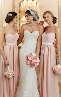 wedding photo - Fit And Flare Wedding Dress