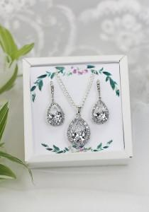 wedding photo - Bridesmaid Earrings gift Bridesmaid Jewelry Set Crystal earrings Bridal party gift Jewelry set Mother of the bride Maid of honor gift