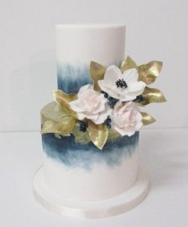wedding photo - Blue Tinted Ombre White Wedding Cake
