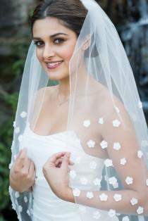 wedding photo - Cathedral Veil 3D Floral Design