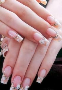 wedding photo - Gorgeously Decorated Nails