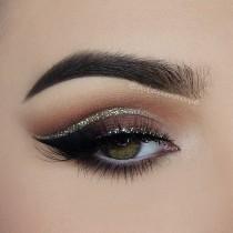 wedding photo - Glittery Eyes