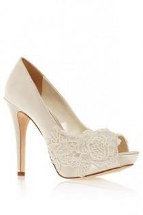 wedding photo - Wedding Shoes TDF!