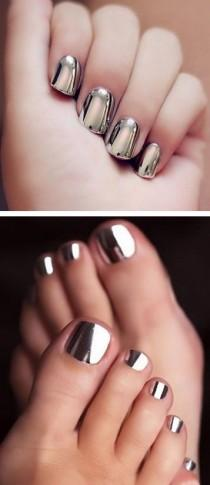 wedding photo - Metallic Nail Art Designs That You Won't Regret Trying On