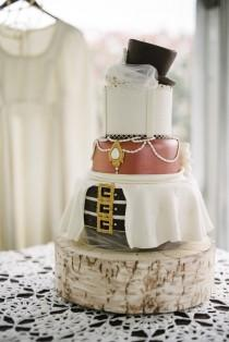 wedding photo - This steampunk cake is all dressed up with somewhere to go