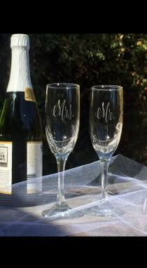 wedding photo - Mr. Mrs. Pair of Champagne Toasting Glass Flutes Traditional Classic Vintage Wedding