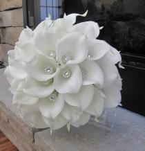 wedding photo - Calla Lily Bouquet, Brooch Bouquet, White Bouquet, Bridal Bouquet, Wedding Bouquet, Silk Flower Bouquet, Bouquet Gems, Brides Bouquet