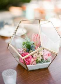 wedding photo - 10 Ways To Decorate With Flowers For Mother's Day