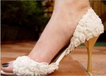 wedding photo - Elegant Flower Lace Women's High Heels Fish Toe Wedding Shoes, S010