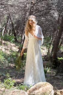 wedding photo - Lace wedding shawl, shawl, lace shawl, wedding cover up, ivory lace bridal shawl, white lace shawl, wedding dress shrug, lace bridal shrug