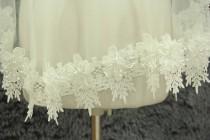 wedding photo - Fingertip veil Single wedding veil Alencon Lace Bridal Veil Light ivory veil Flowers and Bridal Veil Wedding Accessories