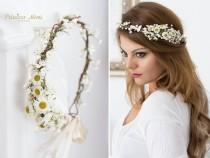 wedding photo - Daisy Flower Crown, Wedding Tiara Bridal flowers, Fairy Crown,Floral garland, Festival or Bridal Hair Wreath, Hair Flowers