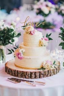 wedding photo - A Modern Wedding With Rustic Details