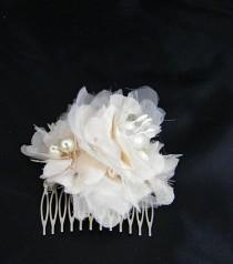 wedding photo - Vintage Floral  Hair Comb, Cream Champagne Blush Flower Comb, Bridal Vintage Accent  Hair Piece, Wedding Accessory Bridal Accessories