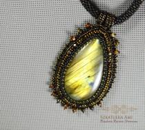 wedding photo - Large stone necklace Labradorites green fire  stone beads entwined beading necklace labradorite old black gold  lined skin pendant big