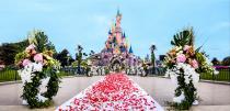 wedding photo - Se marier à Disneyland Paris, un rêve qui devient réalité mais ça coûte combien ? - Mariage.com