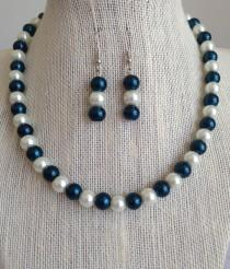 wedding photo - Navy Blue Bridesmaid Jewelry, Dark Teal Blue and White Pearl Necklace Set, Bridesmaid Gift, Blue Beaded Jewelry, Navy Blue Wedding Jewelry