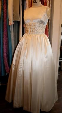 wedding photo - Vintage Hand Made Wedding Dress