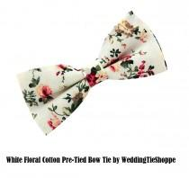 wedding photo - Mens White Floral Bowtie Wedding Cotton Pocket Square Bow Tie Flower Print Groomsmen Pretied BowTies Groomsman Tie Grooms Usher Best Man