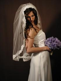 "wedding photo - Manitlla veil veil - Past elbow length 34"" with Alencon lace."