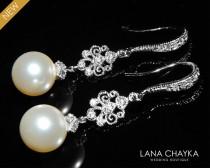 wedding photo - Bridal Pearl Chandelier Earrings Wedding Pearl Earrings Swarovski 10mm Ivory Pearl Dangle Earrings Bridal Pearl Drop Earrings Bridal Jewelry