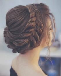 wedding photo - Beautiful Wedding Hairstyles To Complement Your Wedding Dress